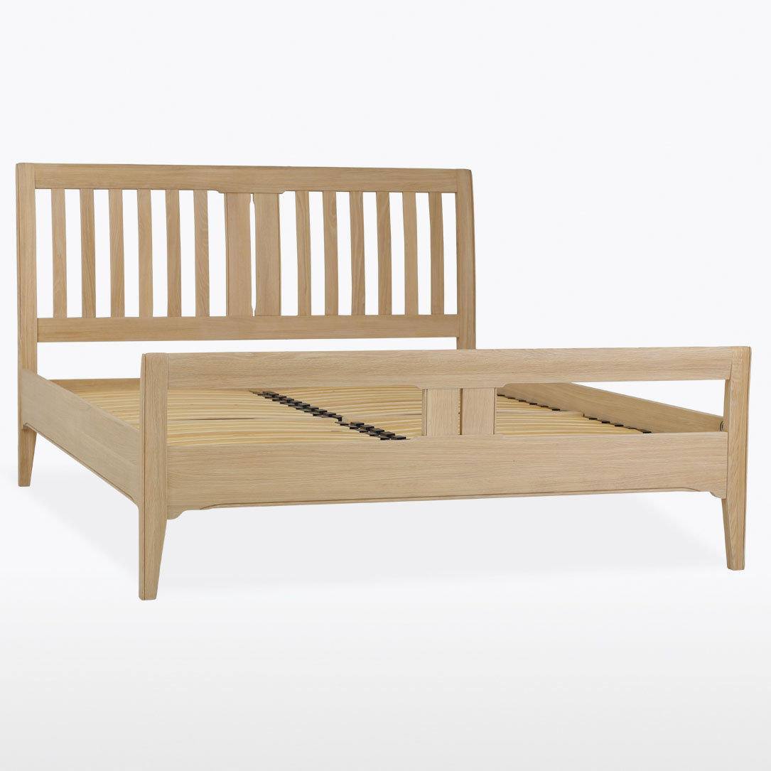 Stag New England 135cm Bedstead