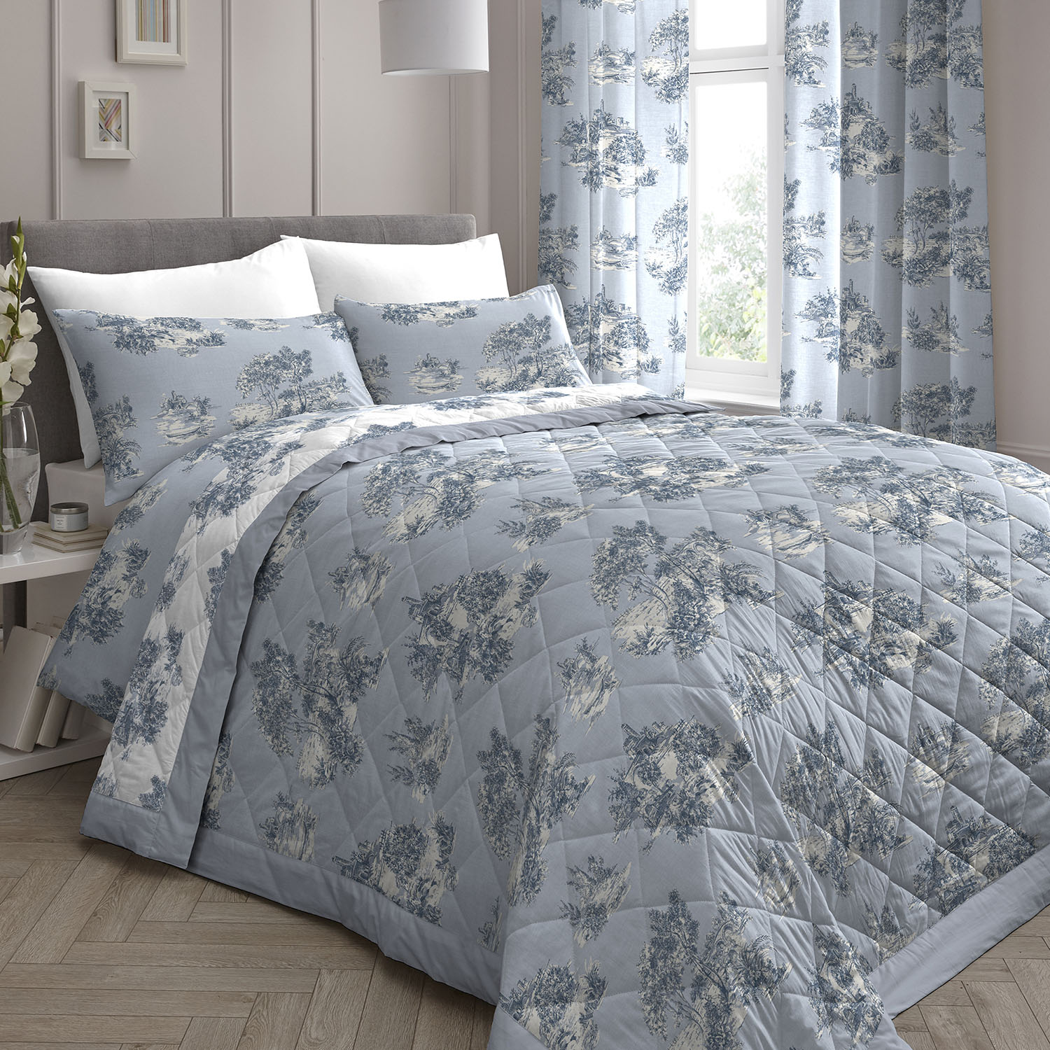 Dreams & Drapes Country Toile Bedspread