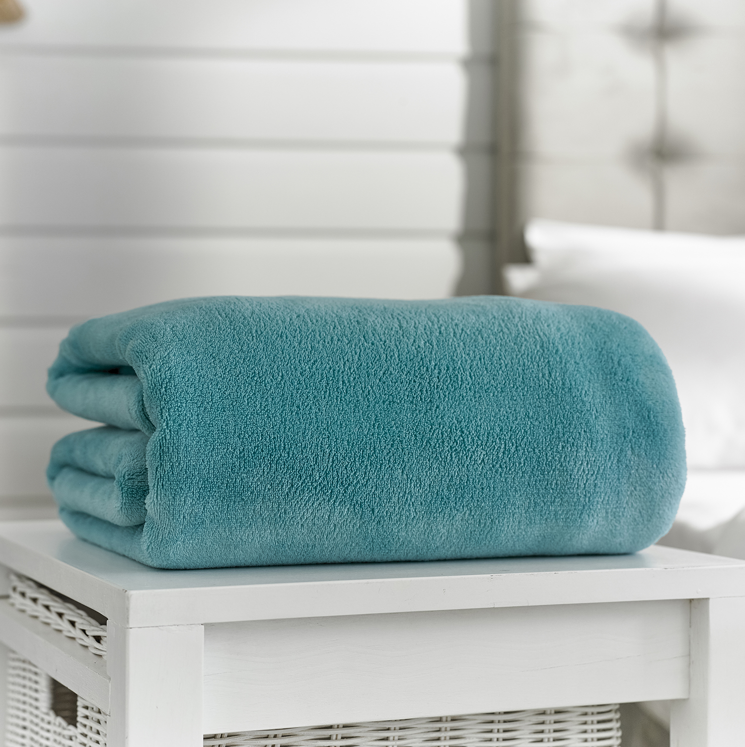 Deyongs Snuggle Touch Throw 140x180 Turquoise