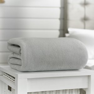 Deyongs Snuggle Touch Throw 140x180 Silver