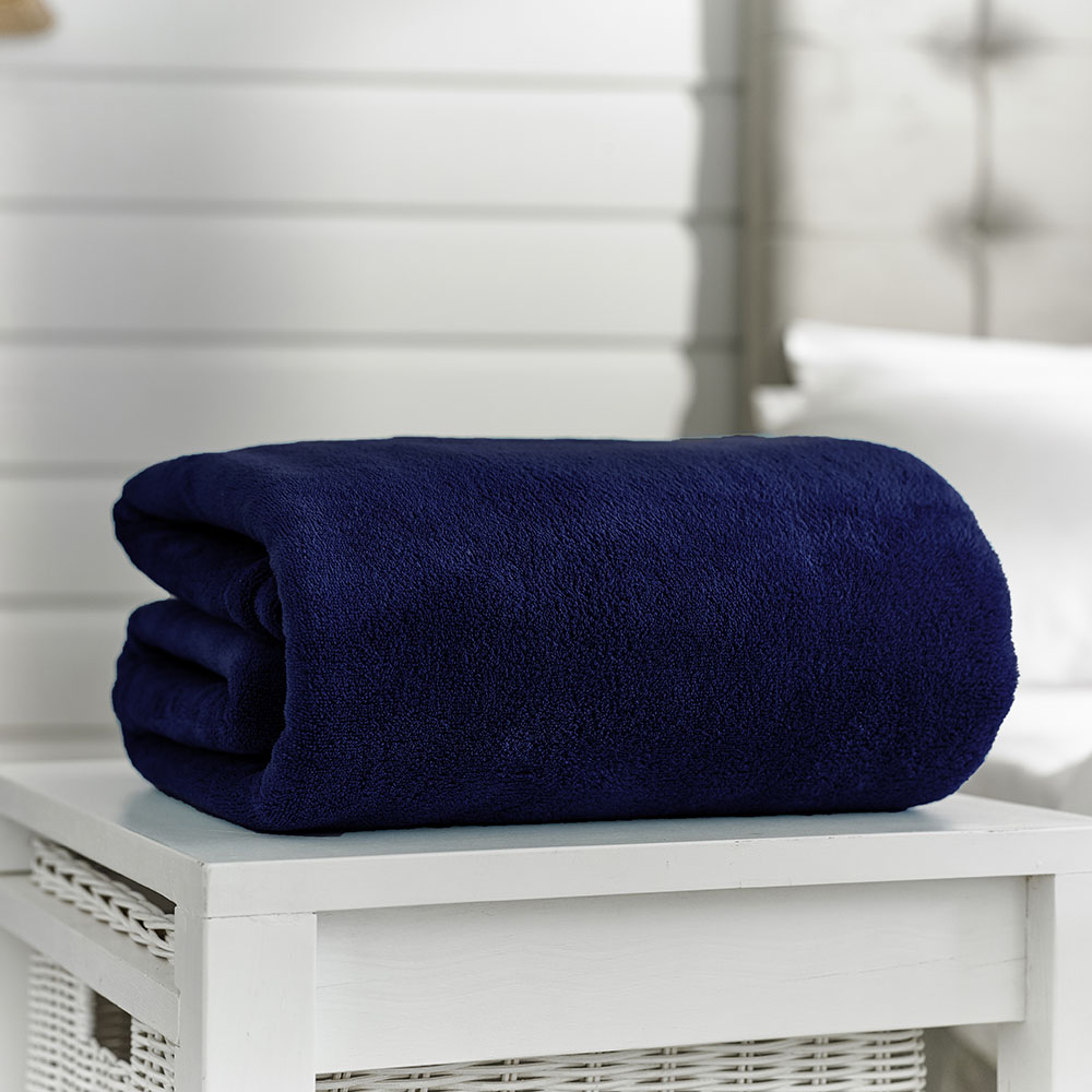 Deyongs Snuggle Touch Throw 200x240 Navy